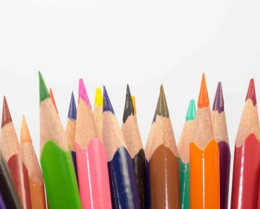 colored-pencils-sharpener-min